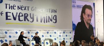 Боно в Киеве вспомнил, как Меркель ознакомила его с нигерийским рэпом