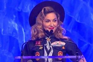 Мадонна на гей-премии раскритиковала Путина