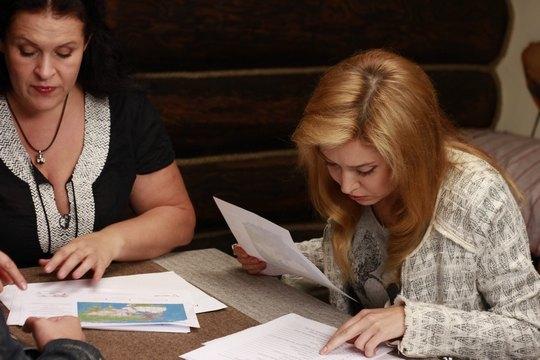 Руслана Писанка и Алена Винницкая рассматривают генетические карты