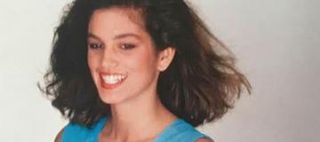 Синди Кроуфорд поделилась раритетным фото в бикини