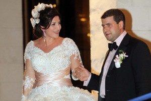Беременная Жасмин вышла замуж