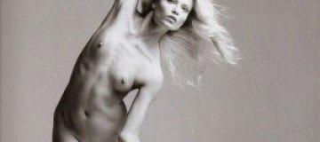 Наташа Поли разделась для Vogue