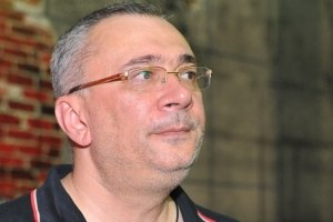 """Меладзе считает себя """"слишком хорошим папой"""""""