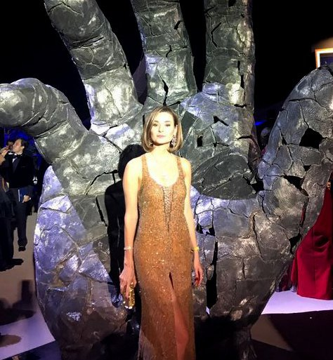 Зоя Литвин в золотом платье от кутюр