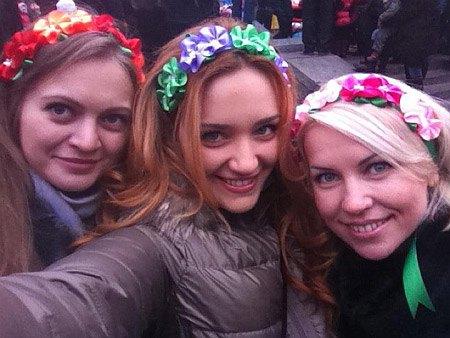 Новый год Виктория Мартынюк встретила с сыном, мамой и подругами
