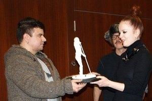 Garbage получили подарок от киевского скульптора