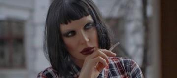 Травести-дива Монро стала брюнеткой и рассказала о вреде курения