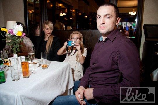 Ольга Янукович сидела в ресторане за угловым столом с дочкой дизайнера