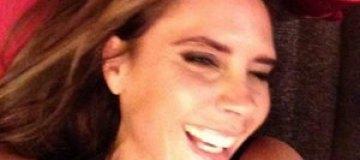 Бекхэм поделился фото улыбающейся жены