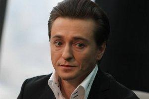 Безруков подтвердил, что сыграл Высоцкого