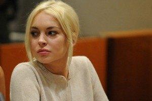 Линдсей Лохан обвинила мать в употреблении наркотиков