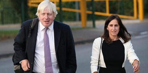 Бывший глава МИД Британии и его жена объявили о разводе после 25 лет брака