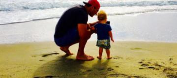 Кличко с Хайден и маленькой дочкой отдохнули на пляже