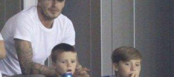 Бекхэм сводил сыновей на футбол
