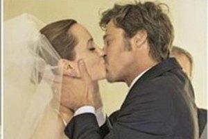 Джоли рассказала, когда на самом деле вышла замуж за Питта