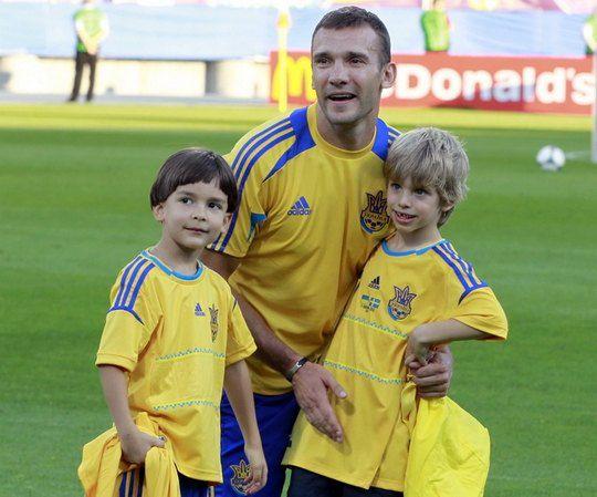 Андрей Шевченко с сыном Кристианом и Тимуром