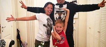 Потап показал фото с женой и сыном