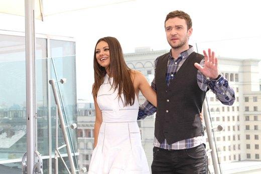 Мила и Джастин на премьере в Москве