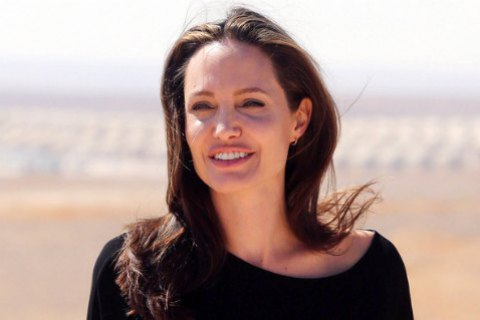 Джоли наняла лучшего кризисного менеджера для развода с Питтом