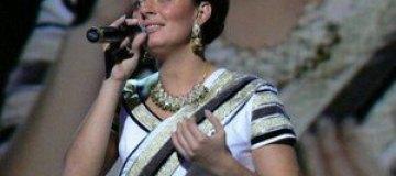 Елена Ваенга спела без фонограммы и лишилась голоса