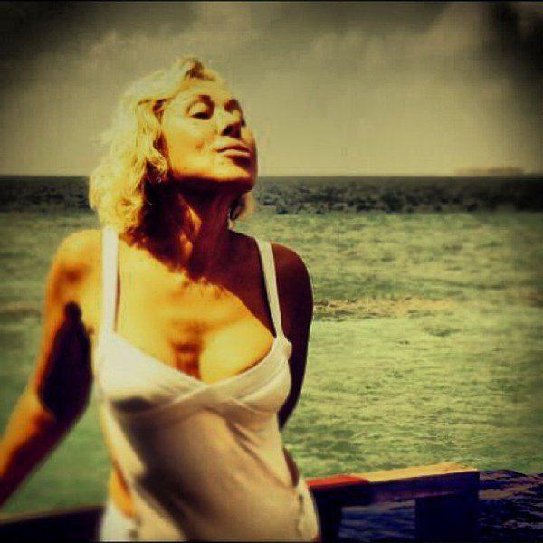 любовь успенская фото голая