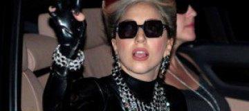 Леди Гага представила свой первый аромат
