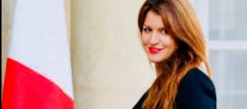 Во Франции министр пожертвовала свои волосы благотворительной организации