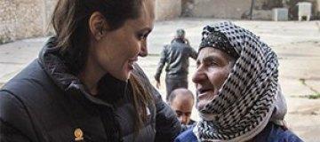 Анджелина Джоли посетила Ирак с миротворческим визитом