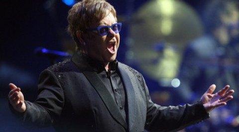 СМИ: Элтон Джон скоро заявит о прекращении концертной деятельности