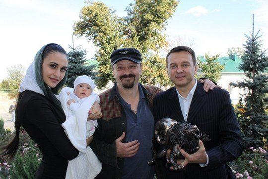 Тимофей Нагорный с Ренатой Штифель, дочкой и другом Сергеем Поярковым