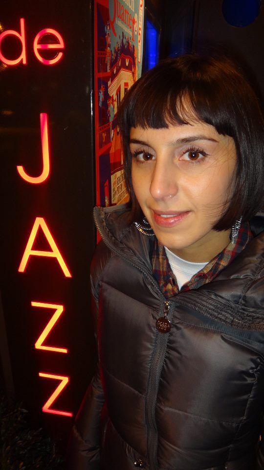 """""""конечно же я не могла не поситить джаз клуб в Париже ,где играл Miles Davis ,i poslushat' horoshiy jazz kvintet))))"""", - написала Джамала"""