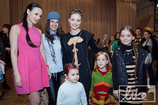 Татьяна Бойко, Катя Веласкес с дочерью, Наталья Окунская с детьми