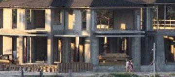 Иглесиас и Курникова строят дом за $20 млн
