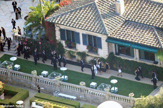 На свадьбу приехали 440 гостей