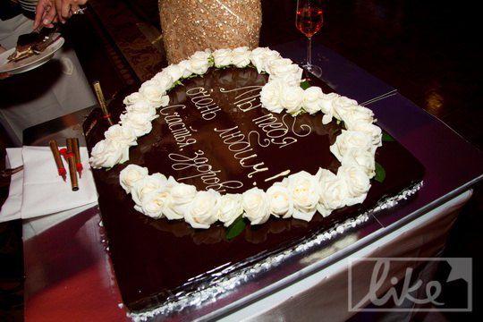 Торт имениннице преподнесли родные