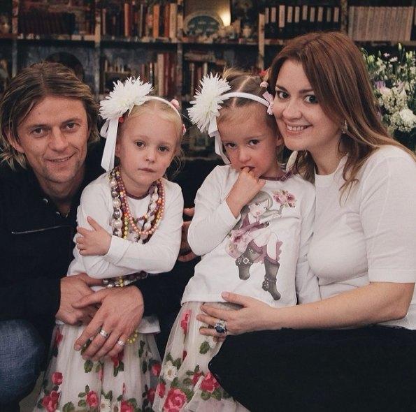Тимощук с женой и дочками