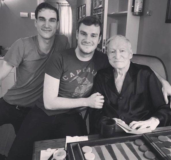 Хью Хефнер с сыновьями