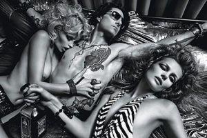 Том Круз снялся с обнаженными моделями