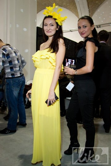 Дизайнер Марта Холод (слева)