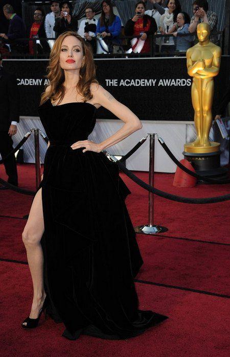 "Анджелина Джоли на церемонии ""Оскар"""