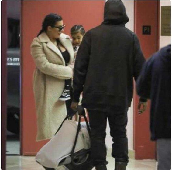 Ким Кардашьян с мужем и дочкой