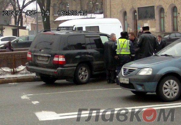 Александр Омельченко попал в ДТП в центре Киева