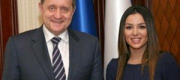 """Могилев заверил Огневич, что она """"на голову выше других"""""""
