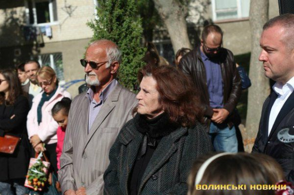 Отец и мать Андрея пришли на открытие
