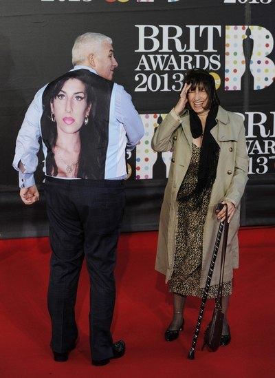 Отец и мать Эмми Джэнис и Митч Уанхаус