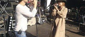 Тина Кароль и Святослав Вакарчук спели дуэтом в Одессе
