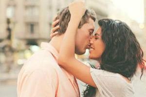 Димопулос похвасталась фотографиями медового месяца