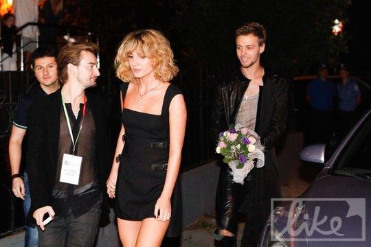 Алан Бадоев с новой подружкой Мишей и Максом Барских