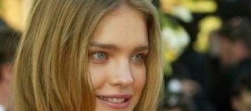 Наталья Водянова оголила стройные ноги и плоский живот