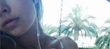 14-летняя дочь Брежневой выложила фото в купальнике